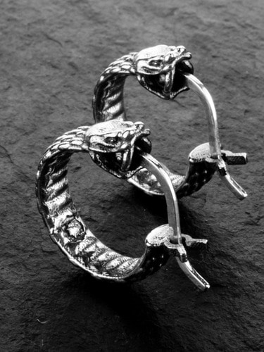 OUROBOROS LOOP EARRING