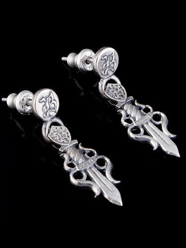 ROYAL DAGGER EARRING