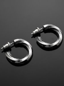 TWISTED HEXAGONAL EARRING