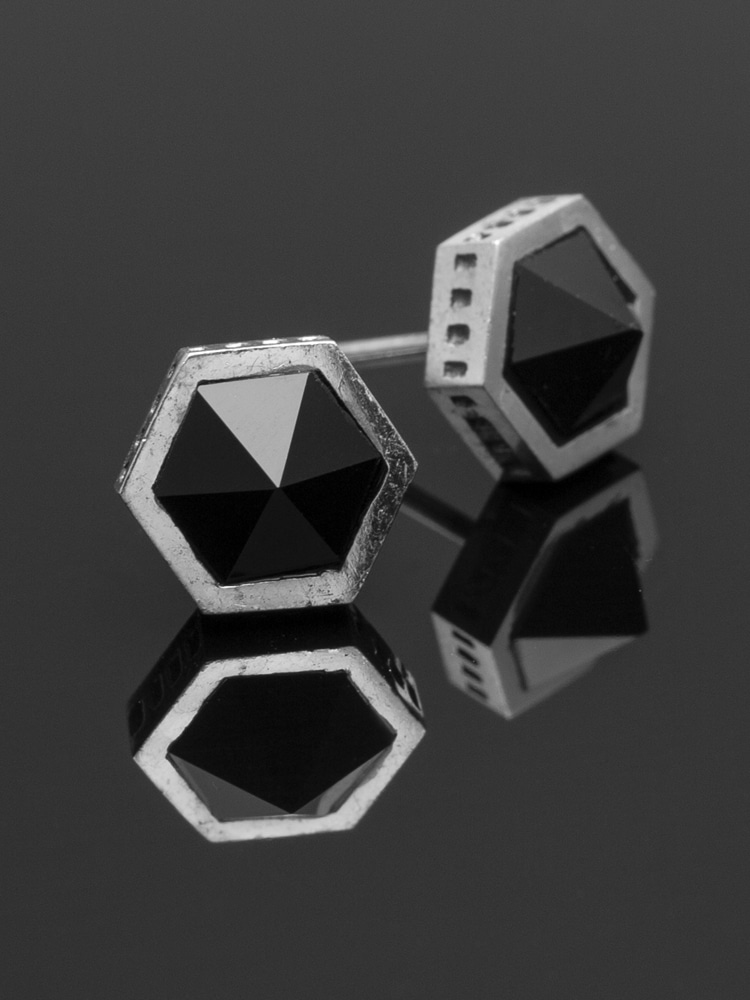 HEXAGON ONYX EARRING
